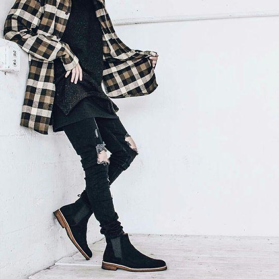 Looks Masculino pra Festa Junina. Macho Moda - Blog de Moda Masculina: Roupa de Homem para Festa Junina: Dicas de Looks para Festas Juninas. Moda Masculina, Moda para Homens, Roupa de Homem, Moda Masculina 2017, Camisa Xadrez, Calça Skinny preta, Chelsea boot Preta