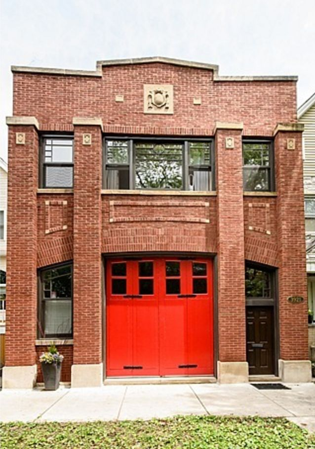 Less than a block from the Irving Park Brown Line, this handsome 1907 brick firehouse has been transformed into a truly unique single family home. Just behind its functional and original red firehouse doors is a large space perfect for entertaining.