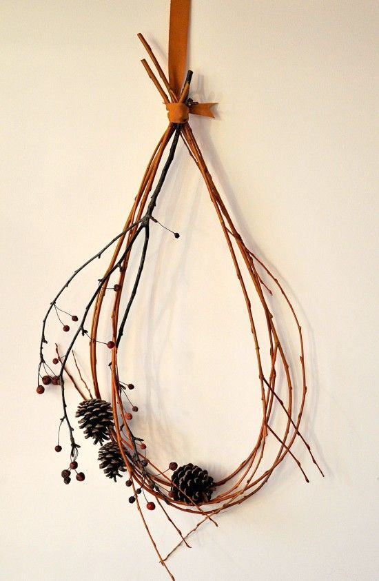 With all of the grapevine on my property, I can make a pile of these in no time! Love the ribbon to hang it!
