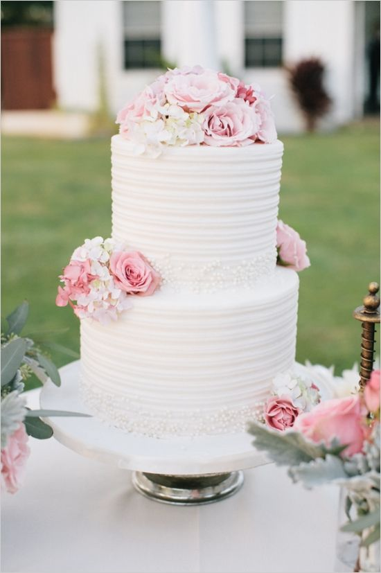 pink and white elegant wedding cake #wedding #cades #pink #white #flowers