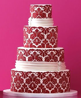 IN LOVE!!! red & damask??? yes please!