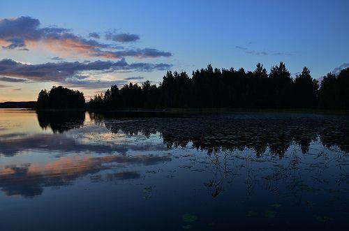 Sunset over the lake, Photo: Anja Van Geert