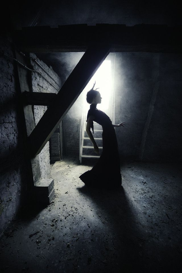 Eva van Oosten – Sophie Wubbels • Dark Beauty Magazine