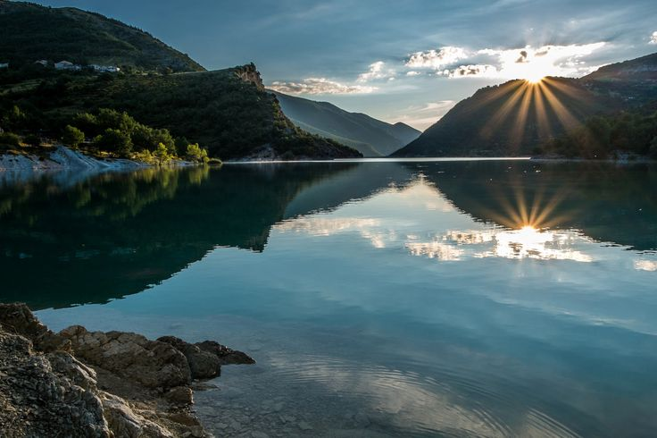 Fiastra lake by Luigi Alesi on 500px