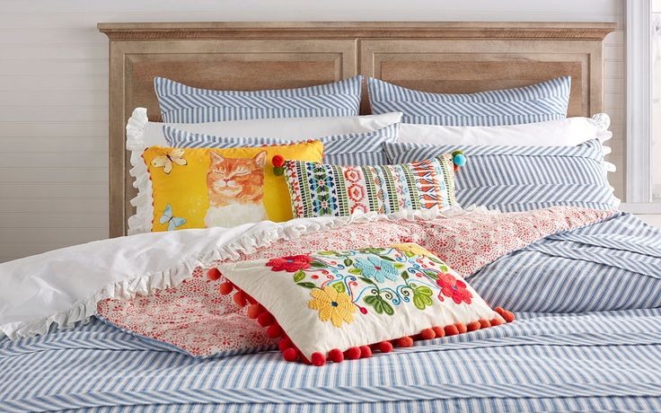 FOX NEWS: Pioneer Woman Ree Drummond announces new bedding line with Walmart The Food Network star is moving from the kitchen to the bedroom.