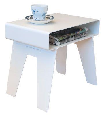 Morfo :: KYUSHI sidetable WHITE. Lækkert lille sidebord i tykt aluminium med afrundede hjørner. Samlet uden brug af skruer.