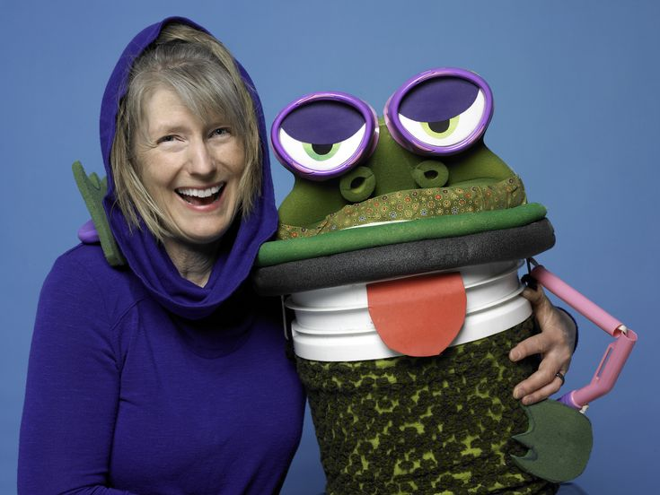 Artistic Director of WP Puppet Theatre, Wendy Passmore-Godfrey, and the Greedy Frog.