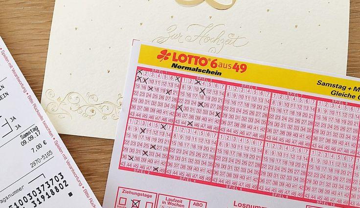 Lottoschein zur Hochzeit mit dem Hochzeitsdatum als Glückszahl. Eine besonders einfallsreiche Idee zur Hochzeit. Alle Details gibt es hier: https://ohmylife.de/lottoschein-zur-hochzeit/