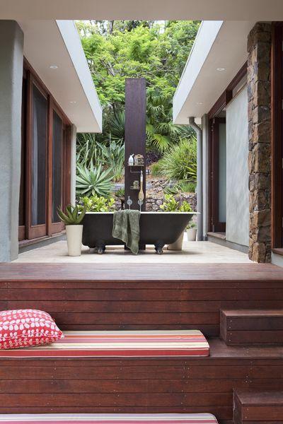 Outdoor Bath, Beautiful Australian Home.