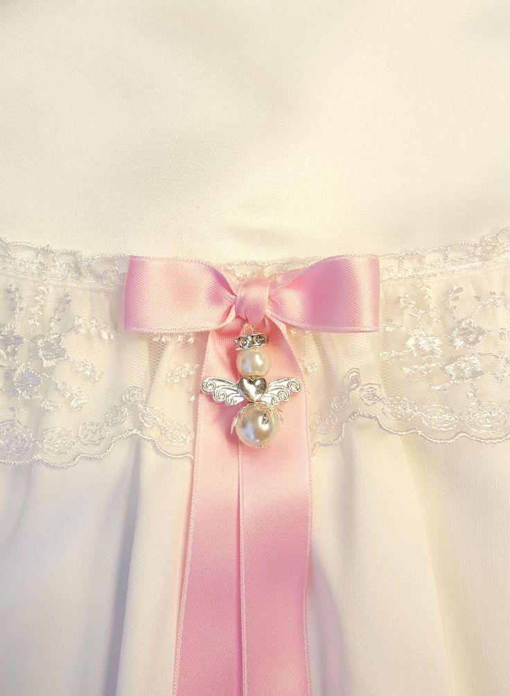 Dopklänning med skyddsängel, christening gown, dåpskjole, https://www.graceofsweden.com/en/accessories/guardian-angels