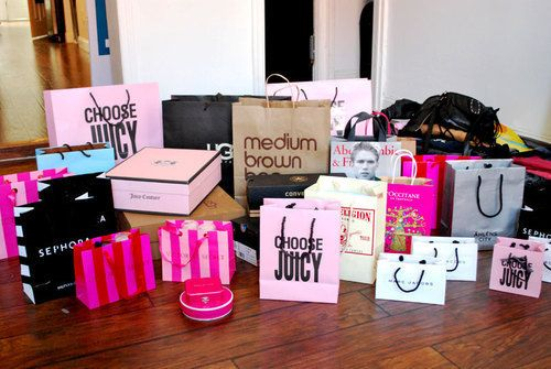 This is a girls definition of heaven. <3