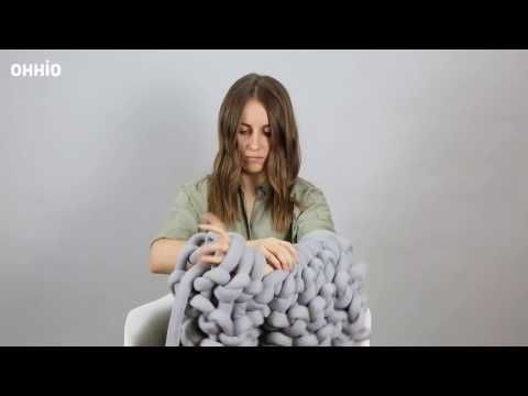 Knitting Blanket Tutorials - How to Make Large Chunky Blanket
