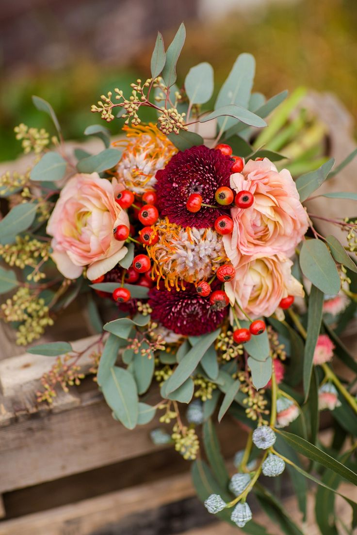so beautiful... Bridal bouquet by FÜR IMMER DEINS Hochzeitsblog - The Little Wedding Corner