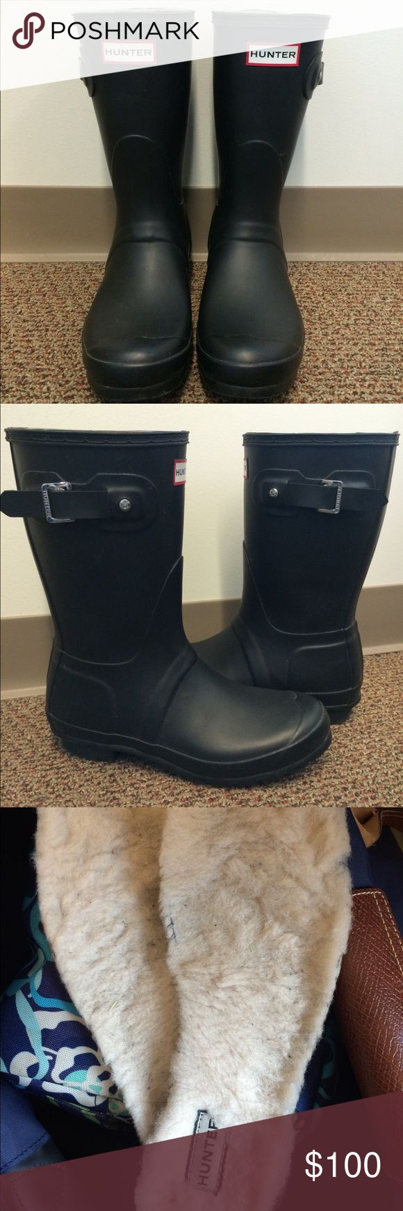 Women's Hunter Original Short Rain Boots Lightly worn women's Hunter Original Short Rain Boots in matte black! Also comes with Hunter shearling insoles. Hunter Boots Shoes Winter & Rain Boots