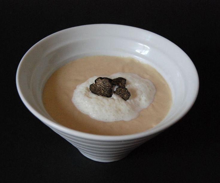 Velouté de topinambours, écume à l'huile de truffe | Cuisine plurielle