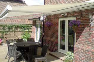 Retractable Sun Awnings and Electric Patio Awnings