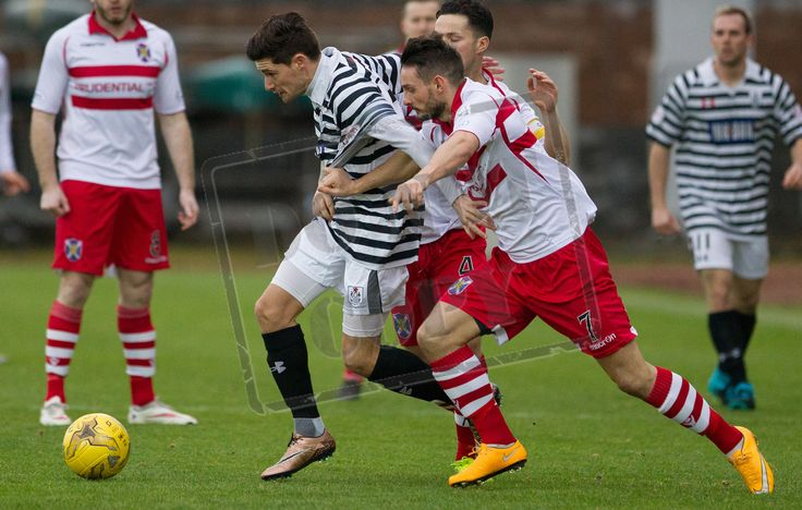 Queen's Park's Paul Woods on the ball during the SPFL League Two game between Stirling Albion and Queen's Park.