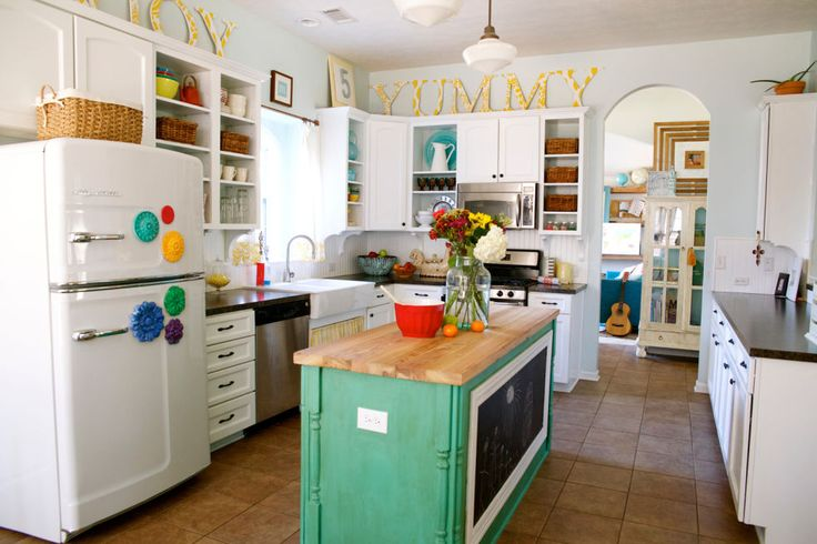 One couple transformed cookie-cutter new construction into a colorful and eclectic farmhouse.