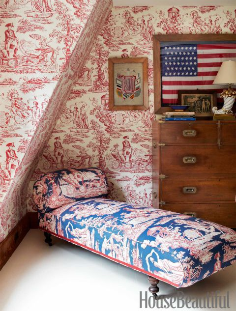 In John Knott and John Fondas's Maine master bedroom, the spirited theme sprang from Fondas's collection of Washington memorabilia and American flags. A toile pattern that depicts American icons covers both the daybed and the walls.