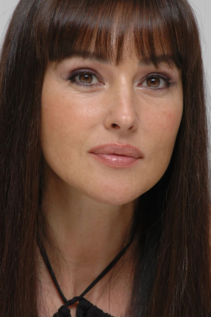 Monica Bellucci-simple make up | Ready for the close-up ...