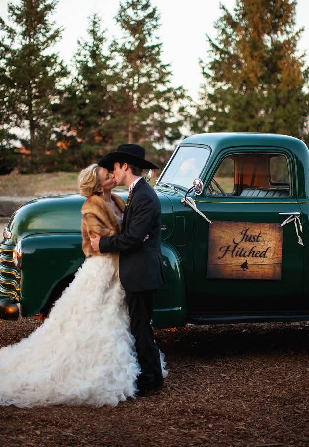 One Couple S Romantic Missouri Wedding With Rustic Cowboy