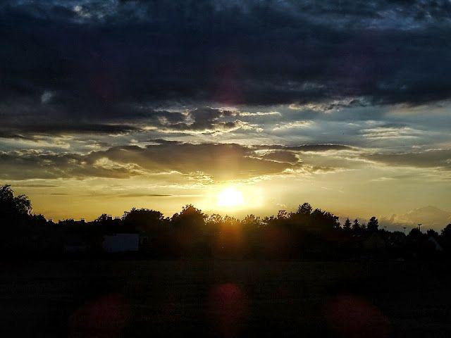 Auf der Mammilade n-Seite des Lebens: 8 Dinge, die mir an diesem herbstlichen April-Sommer wirklich gut gefallen! Und warum ich doch 1x ganz kräftig schimpfen musste, Himmel, sunset, sky, nature, Natur, Sonnenuntergang