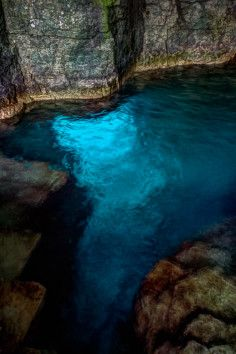 Cyprus Lake Grotto - Take a swim in crystal cave waters. Tobemory, Bruce Peninsula National Park, ON CA