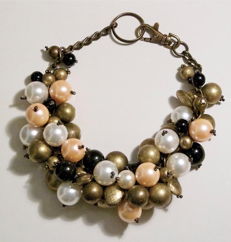 Crimenes de la Moda: DIY: Collar racimo con bolas de colores.