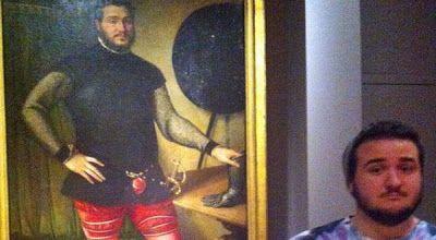 Seorang pria menemukan lukisan pada abad ke-16 di Italia yang wajahnya menyerupai dirinya. Penemuan ini tentu mengejutkan karena wajahnya be...
