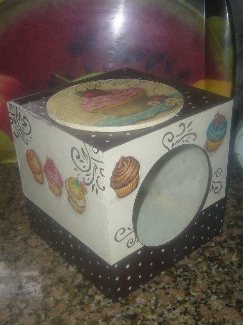 Caja con visor de vidrio, $160 en https://ofeliafeliz.com.ar