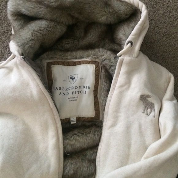 Abercrombie and Fitch jacket Really warm and soft ! Good condition besides the makeup on the sleeve. Offers welcomed Abercrombie & Fitch Jackets & Coats