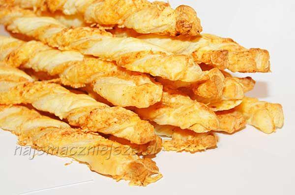 Paluszki serowe z ciasta francuskiego, paluszki serowe, ciasto francuskie, ser, Cheese straws with puff pastry, cheese sticks, puff pastry, cheese