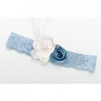 Un pizzico di malizia per il #matrimonio! Ecco una giarrettiera vintage blu!