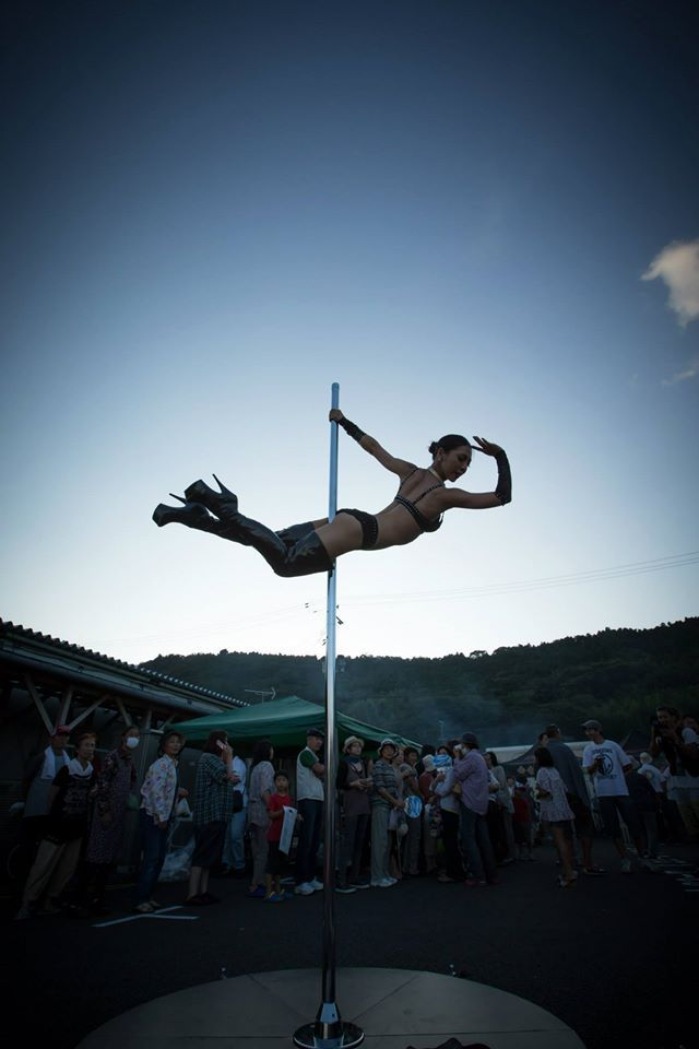 We shere pics of our founder, Atsumi Takakura's volunteer pole dance show in the disaster event in Ishinomaki-city, where is seriously damaged area by the Great East Japan Earthquake.   Check it out!! http://iapdfa.com/ https://www.facebook.com/iapdfa