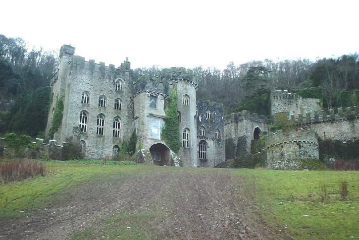 Gwrych Castle Was Erected Between 1819 And 1825 At The Behest Of Lloyd Hesketh Bamford-hesketh, Grandfather Of Winifred Cochrane, Countess Of Dundonald. From 1894 Until 1924, When The Countess Died, It Was The Residence Of The Dundonald Family. The Countess Left The Castle In Her Will To King George V And The Then Prince Of Wales (who Later Became King Edward Viii). However, The Gift Was Refused And The Castle Passed To The Venerable Order Of Saint John.