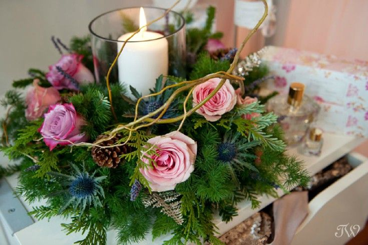Join us at #AdornBoutique in Inglewood on Dec. 10th & 11th for a DIY Winter Workshop and learn to create this pretty centrepiece plus enjoy shopping, treats and a photobooth! Space is limited!  Photo: @tarawhitphoto  http://flowersbyjanie.com/blog/flowers-by-janie-calgary-wedding-florist/glitter-blooms-diy-winter-floral-workshop-more-flowers-by-janie-calgary-wedding-florist #Calgaryflorist #Calgaryweddingflorist #FlowersbyJanie #DIYwinterworkshop #wintercenterpiece #roses #candlecenterpiece