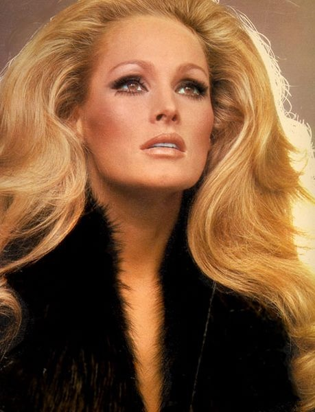 Ursula Andress                                                                                                                                                                                 Plus