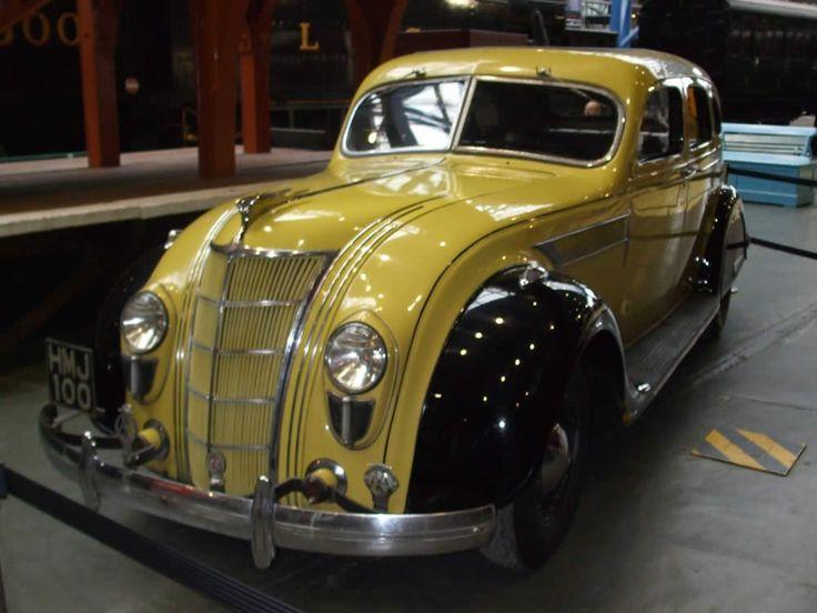 1935 Chrysler 'Airflow' C1. ✏✏✏✏✏✏✏✏✏✏✏✏✏✏✏✏ IDEE CADEAU / CUTE GIFT IDEA ☞ http://gabyfeeriefr.tumblr.com/archive ✏✏✏✏✏✏✏✏✏✏✏✏✏✏✏✏