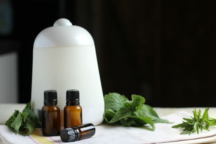 A collection of 10 of the BEST essential oil recipes out there for diffusers.