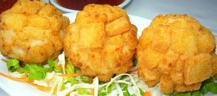 Chinese Dim Sum Crispy Shrimp Ball Recipe What You Need (Serves 6 - 10): 11 oz medium shrimp, peeled, rinsed, drained 5 1/2 oz crabmeat 1/2 cup minced water chestnut 1 1/2 tbsp minced ginger 1 1/2 tbsp chopped spring onions 2 tsp rice wine 1 large egg white, lightly beaten 3/4 tsp salt 1 1/2 tsp sesame oil 2 tbsp cornstarch 20 slices sandwich bread, crust removed canola oil for deep frying