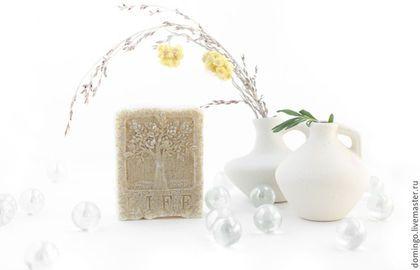 мыло `Белая глина и Розовое дерево`  может быть изготовлено в формах `древо жизни` и  `древесная кора`. Пожалуйста, указывайте форму при заказе личным сообщением
