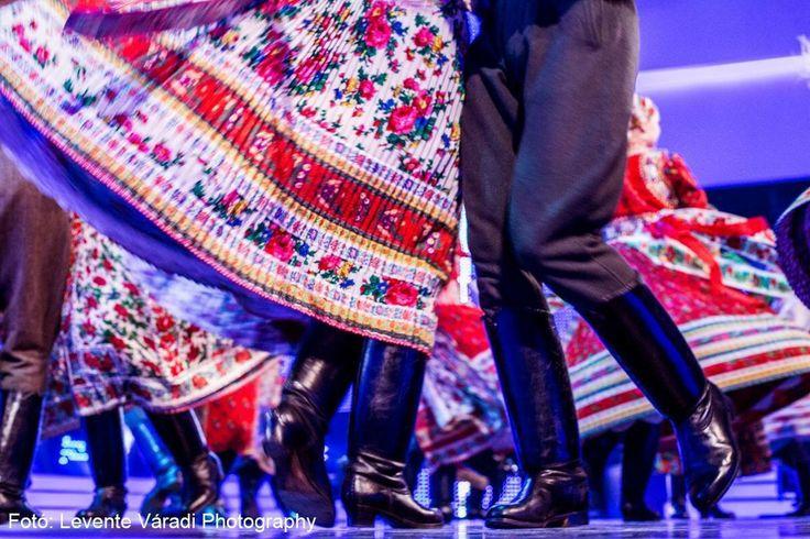 Szinvavölgyi Néptáncműhely  Kalotaszegi táncok By Levente Váradi