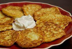 Finom és csak néhány alapanyagra van hozzá szükségünk, ajánlom mindenkinek! Hozzávalók: 1 fej karfiol 2 tojás 3-4 evőkanál liszt (amennyit felvesz) 3 evőkanál főzőtejszín 1[...]