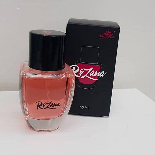 طلبت قبل فترة عطر روزانا من Rozana360 طبعا هذه مو اول مرة طلبت شي من روزانا طالبة قبل جهاز التقصف و ساكورا و السشوار و تجربتي Perfume Bottles Perfume Bottle