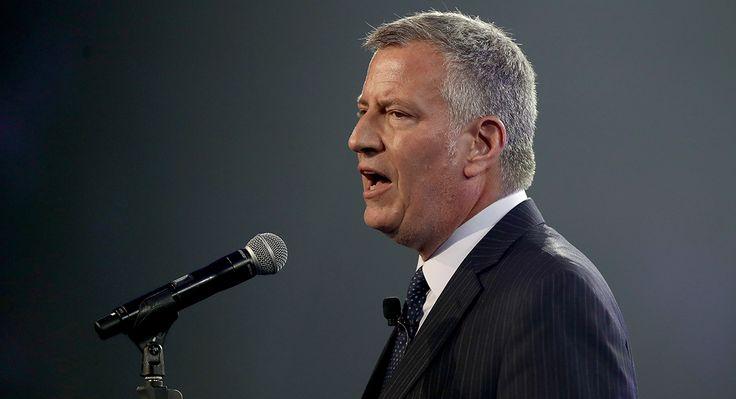 NYC Mayor de Blasio Building Trades Kick Off Green Jobs Training Program http://ift.tt/2oirSEu
