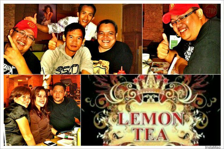 me n friends enjoying lemontea