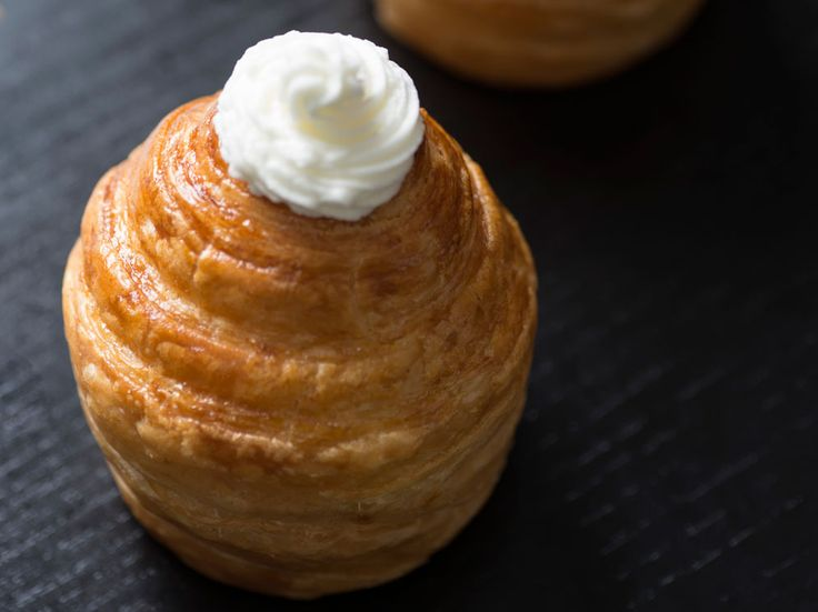 Cruffin filled with Vanilla Chantilly Cream