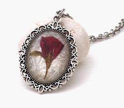 Real rose necklace by Andan