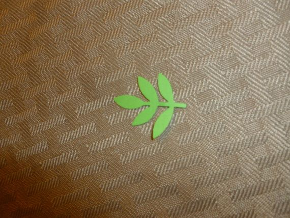 50 spring green leaves by nanasthisnthat on Etsy, $1.50