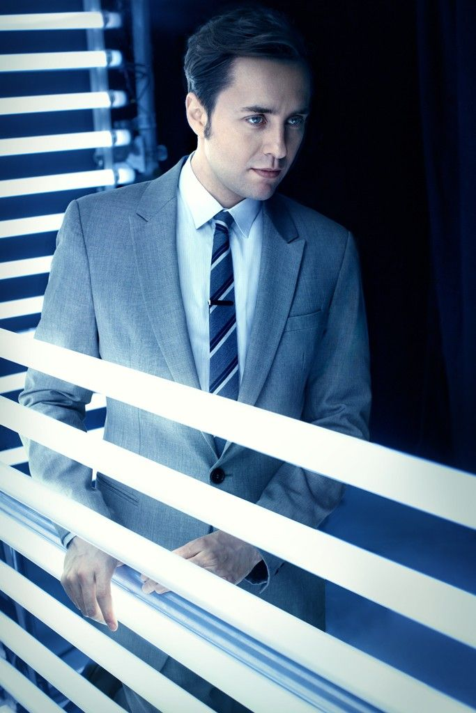 M: Pete Campbell Is Not an Evil Guy (Vincent Kartheiser in Emporio Armani wool suit, Prada cotton shirt, Hermès tie and thetiebar.com tie bar.) [Photo by Robert Trachtenberg]